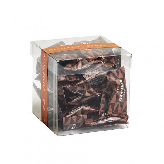 Étui garni d'amandes cacaotées chocolat noir 140g